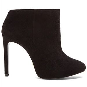 Pour La Victoire Adele Suede Ankle Booties Heels
